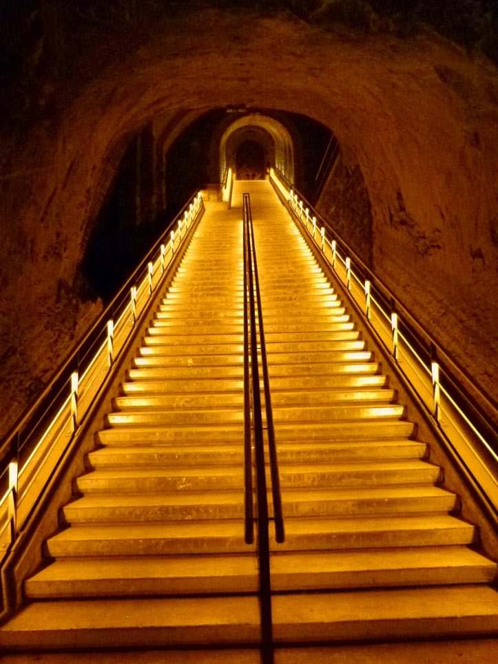 vineo-neolux-led-lighting-solutions-veuve-clicquot-1